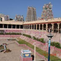 in side Meenakshi temple  (Ramareddy Vogireddy), Мадурай
