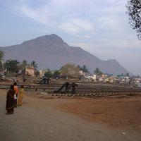 DSC08356  நினைத்தாலே அருள் பாலிக்கும் திருவண்ணாமலை காட்சி   Rail Line & Thiruvannamalai  07.04.19, Тируваннамалаи