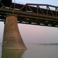 hathi par (like ladies sandal) of old yamuna bridge, Аллахабад