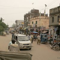 Varanasi main road for the hotel area, Cantonement, Варанаси