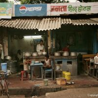 Shops in India tend to be family owned and intimate, Варанаси