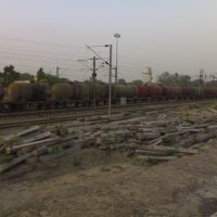 Goods Train passing through Govindpuri Station, Kanpur, Канпур