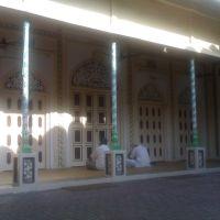 Masjid inside Musafir Khana opposite Moradabad Railway station, Морадабад