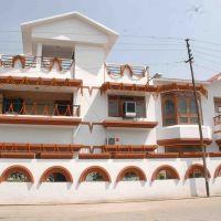 Dhameja House, Пилибхит