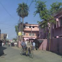 Driving through one of the streets of Sambhal, Самбхал