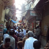 Towards Bankey Bihari Temple ...., Хатрас