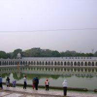 Delhi  - Bangla Sahib - bacino sacro, Дели