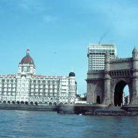 Taj Mahal with Gateway of India 82, Бомбей