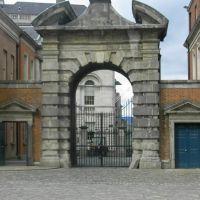Dublin:  Castle Dublin, Дан-Логер
