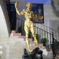 Espagne, la statue de Salvador Dali dans lentrée de la mairie dAlicante, Аликанте