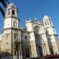 Espagne, centre historique avec la Cathédrale de Cadix, Алжекирас