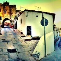 Roman gate in Caleros street in Caceres UNESCO Heritage of Mankind (SPAIN), Кацерес