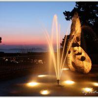 Monumento a Martín Códax de noche, Виго