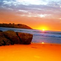 Ocaso en la playa del Orzán de A Coruña., Ла-Корунья