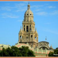The bell tower of the Cathedral of Santa Maria, Murcia, is 96 meters high and has 25 bells., Мурсия