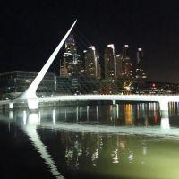 Puente de la Mujer, Азул