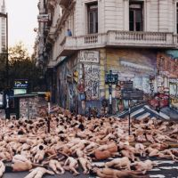 Spencer Tunick en Buenos Aires, Азул