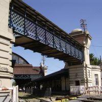 estación de ferrocarril - puente peatonal, Ла-Плата