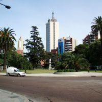 La Plaza Juan José Paso rodeada de torres, Ла-Плата