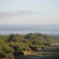 Picada Norte (vista hacia el norte) con niebla cubriendo el horizonte, Женераль-Рока