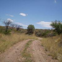 Camino en el Parque Nacional Lihuel Calel, Provincia de La Pampa, Argentina, Женераль-Рока