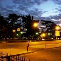 Atardecer Tormentoso en el Parque de la Independencia - Rosario - Santa Fe - Argentina, Росарио