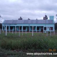 Km 841 - Escuela (www.alepolvorines.com.ar), Пресиденсиа-Рокуэ-Сенз