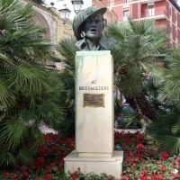 ITALIA Plaza de la Victoria, Brindisi, Бриндизи