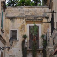Lecce-centro storico-stessa foto..ma a sbornia smaltita..., Лечче