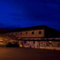Taranto _ Ricovero della seconda guerra mondiale trasformato in parcheggio auto., Таранто