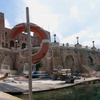 Taranto_ La rotonda sul Mar Grande, Таранто
