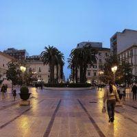 Taranto_ Lora blù di Piazza Maria Immacolata, Таранто