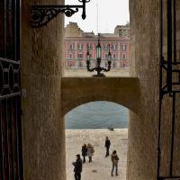 Taranto_ Castello Aragonese -Canale Navigabile, Таранто