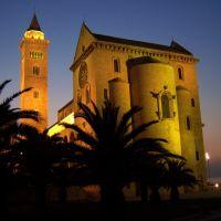 La Cattedrale di Trani, Трани