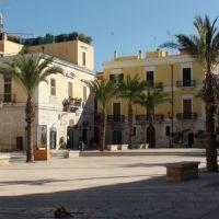 Trani - Piazza del teatro*, Трани