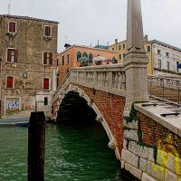 Venetian Monolith, Венеция