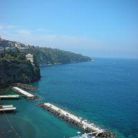 Sorrento: Marina Piccola dalla Villa Comunale, Сорренто