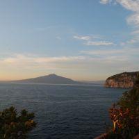 SantAgnello: vista del golfo di Napoli, Сорренто