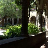 Chiostro di San Francesco, sec. XIII, Сорренто