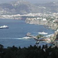 View across bay of Sorrento, Сорренто
