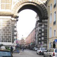 Particolare di Porta Napoli, Аверса