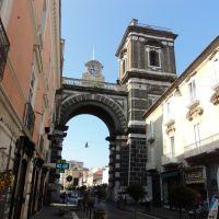 Arco dellAnnunziata (Porta Napoli), Аверса