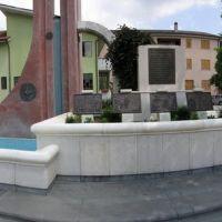 San Michele di Serino (AV) - Piazza MOVM Raffaele Perrottelli, Ночера-Инфериоре