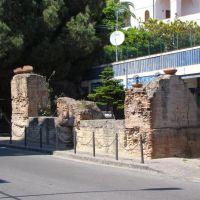 Pozzuoli - I resti romani davanti al Banco di Napoli, Поццуоли