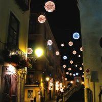 Via Duomo - luci natalizie, Салерно