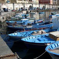 Barche al porto, Торре-Аннунциата
