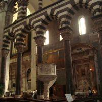 interior de la Catedral de San Lorenzo con la influencia de una época, Генуя