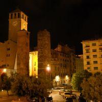 Savona, Torre del Brandale con le torri Riario e Corsi, Савона