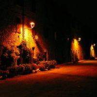 Via Castello Cavernago, Леччо