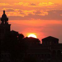 Mantova, la città dai mille tramonti - Dalla serie tramonto e campanile., Мантуя